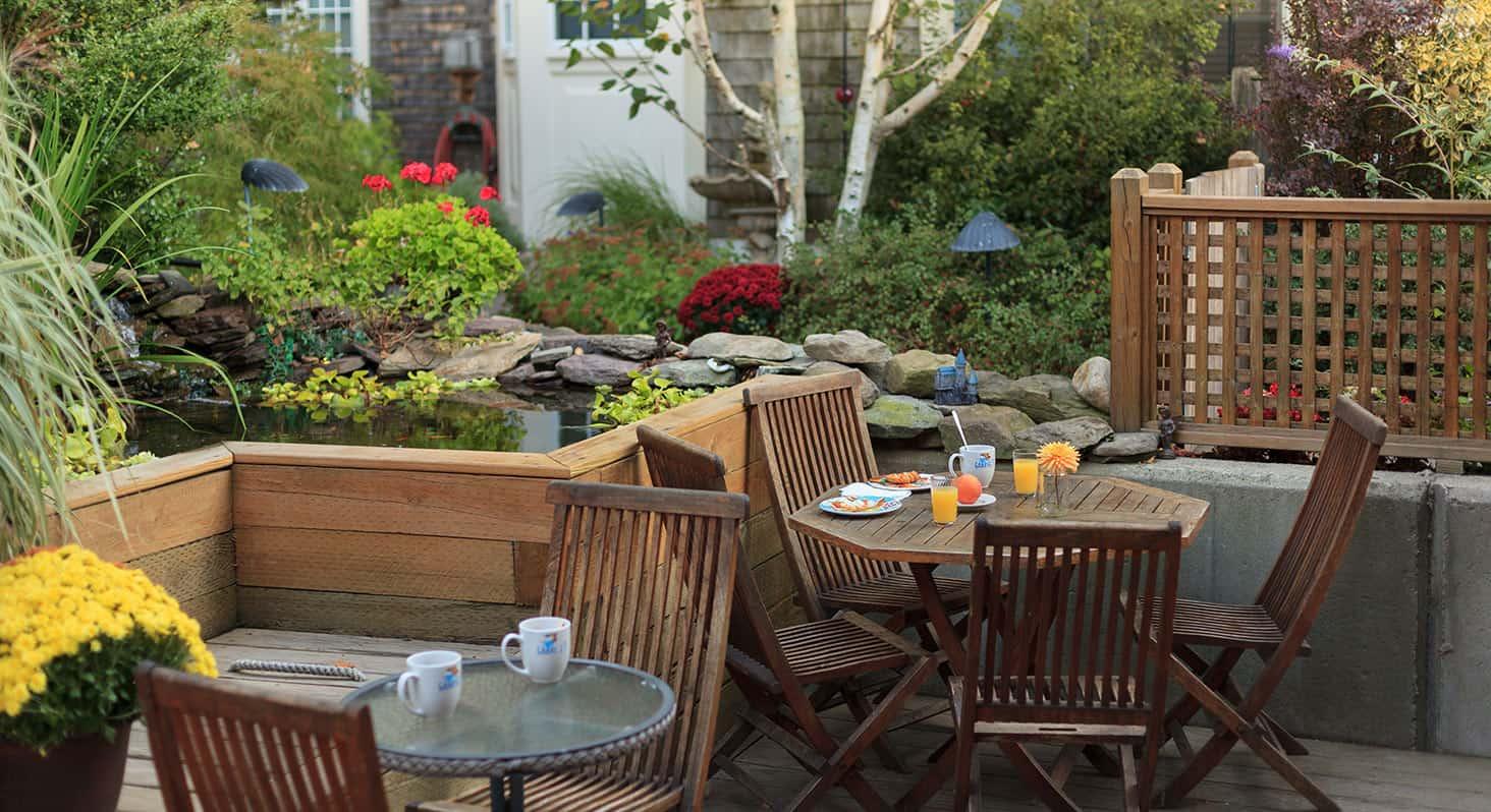 Cape Cod Hotel Breakfast Outside